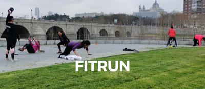 Club de corredores haciendo entrenamiento funcional en Madrid Rio