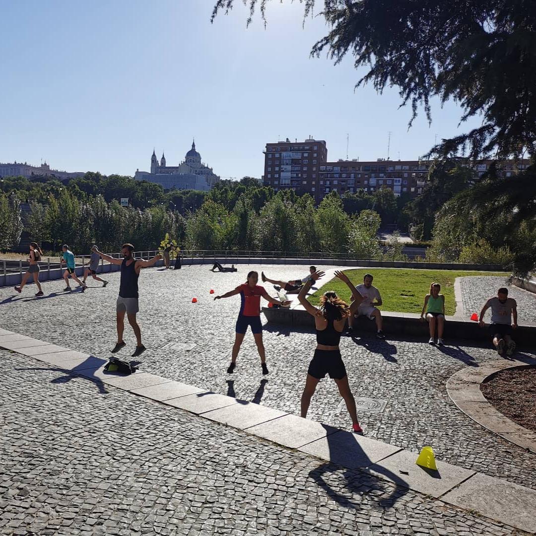 entrenamientos al aire libre en madrid rio - Entrenamiento funcional - TRC The Run Club