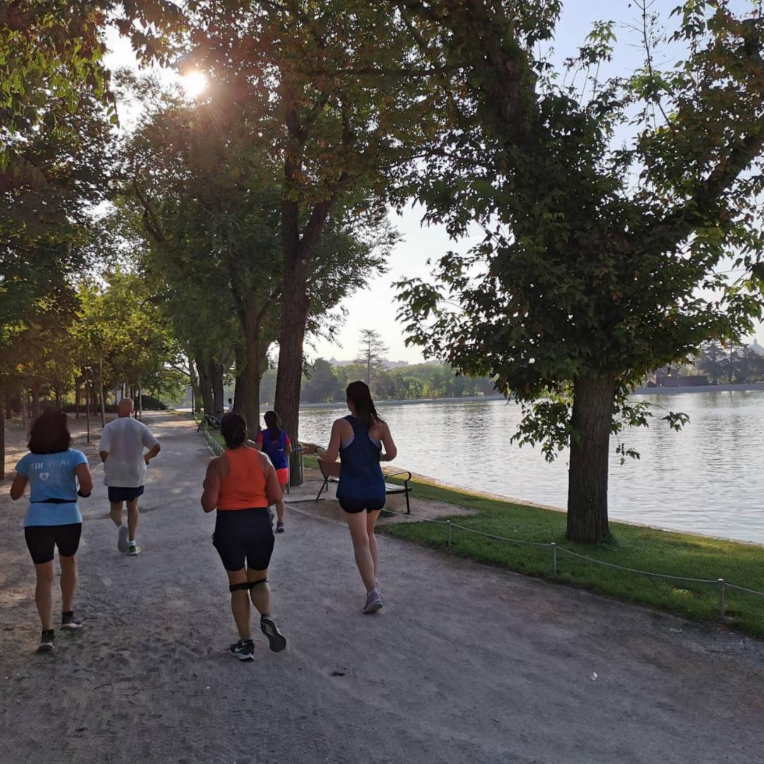entrenamientos al aire libre en madrid rio - corriendo por el lago - TRC The Run Club