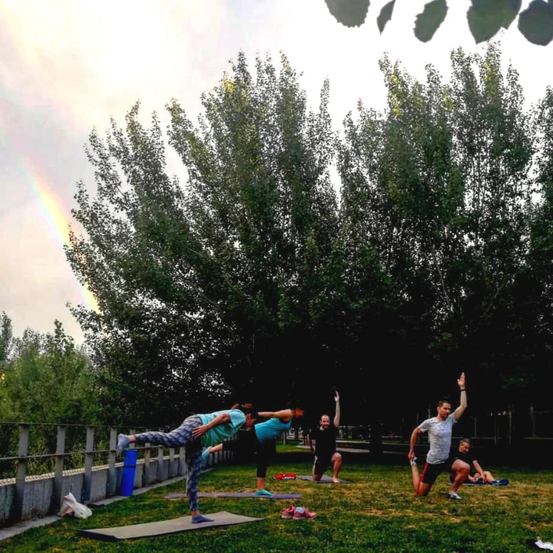 entrenamientos al aire libre en madrid rio - pilates - TRC The Run Club